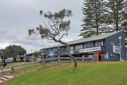 byron bay surf lifesaving club